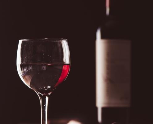 copa vino y botella